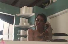 Bella XOXO Gets Pretty In The Bathroom